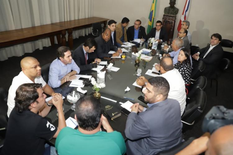 O encontro aconteceu na tarde desta quinta-feira, 10, na Assembleia Legislativa da Bahia (Alba) - Foto: Uendel Galter l Ag. A TARDE