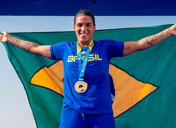 Foi a primeira medalha de ouro da baiana na competição - Foto: Miriam Jeske | COB