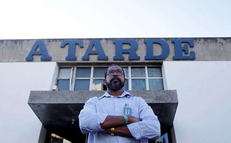 Waldir Ferreira é o funcionário mais antigo e integra o Grupo A TARDE há 41 anos - Foto: Adilton Venegeroles | Ag A TARDE
