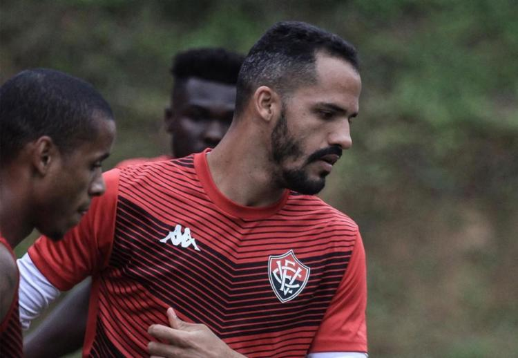 Elenco do Rubro-Negro tenta vencer a primeira na Arena Fonte Nova, antes de voltar ao Barradão - Foto: Divulgação l EC Vitória