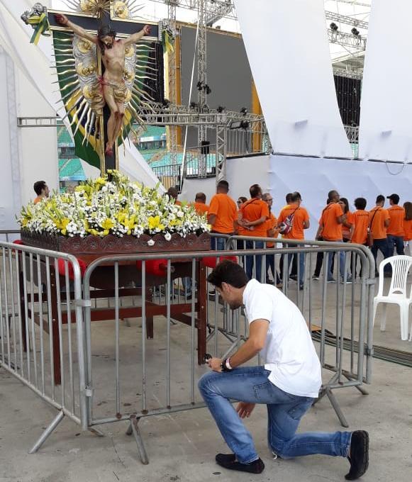 Thiago Arancam vai cantar o hino do Senhor do Bonfim