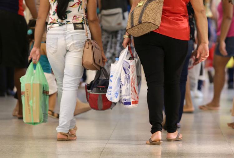 Funcionamento do comércio em Salvador nos dias de feriados continua indefinido - Foto: Uendel Galter | Ag. A TARDE