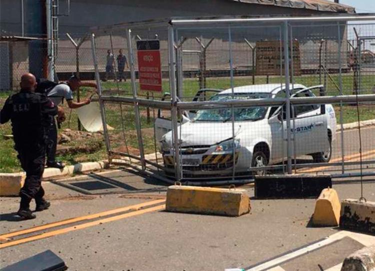 De acordo com a administração do aeroporto, os bandidos usavam um veículo com as cores e características da Aeronáutica - Foto: Reprodução