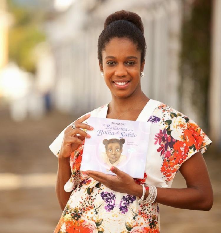 O livro fala sobre temas atuais: bullying, racismo e preconceito, vividos pela própria autora - Foto: Reprodução