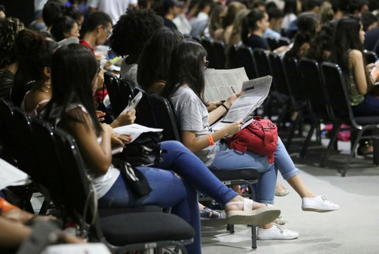 Serão ministradas aulas de português, química, biologia e matemática - Foto: Luciano Carcará | Ag. A TARDE