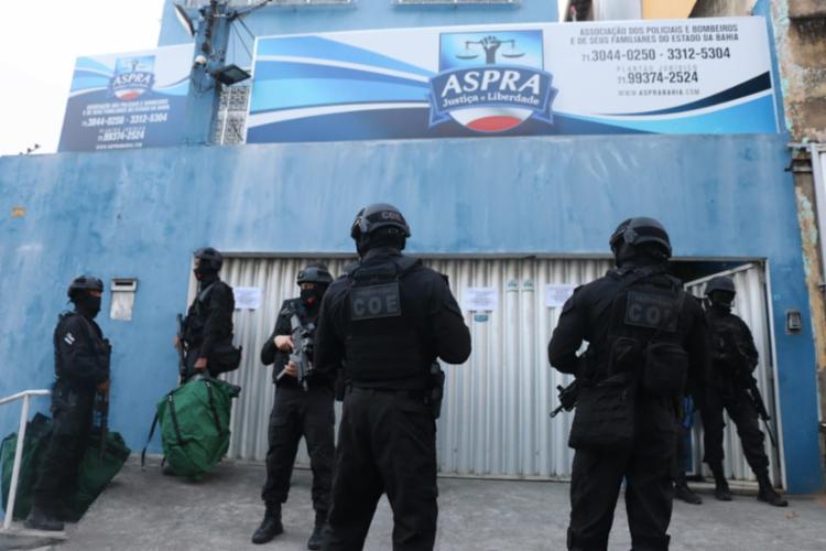 Operação conta com policiais civis e militares (Foto: Alberto Maraux   SSP-BA)