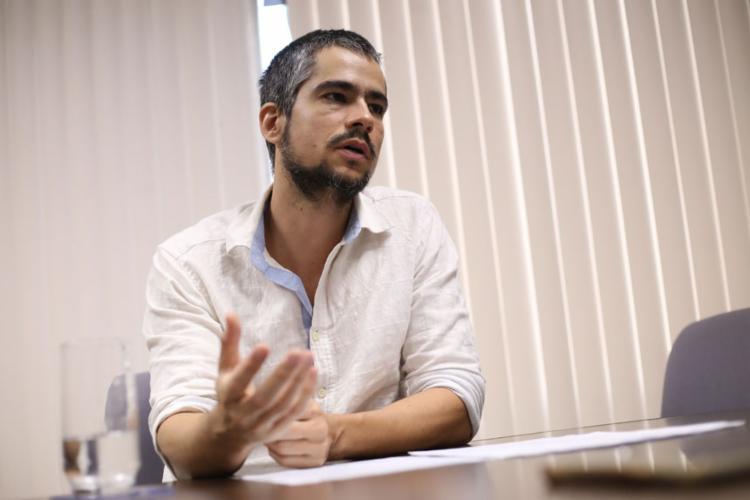 Guillermo Etkin explica que maioria dos idosos atua no mercado informal