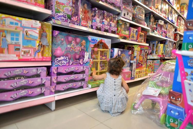 No Brasil, a certificação de brinquedos é obrigatória, independente de ser nacional ou importado - Foto: Shirley Stolze   Ag. A TARDE