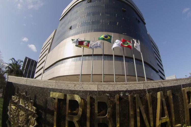 Ministério Público apresentou denúncia em julho do ano passado contra treze pessoas - Foto: Sylvio Sirangelo | TRF4