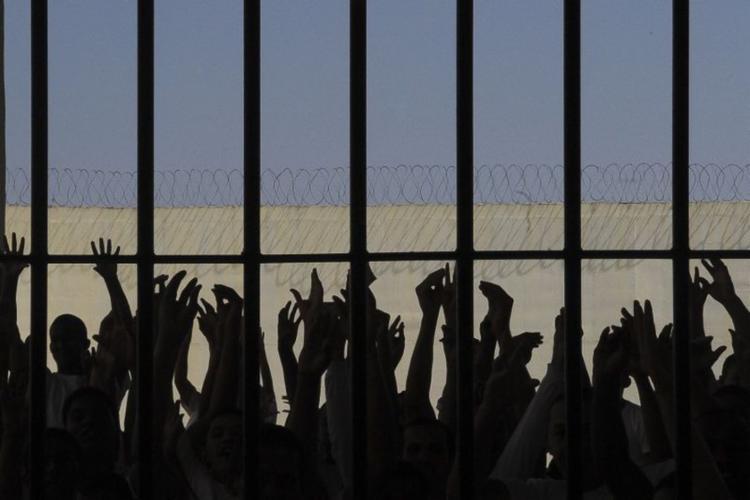 O número não inclui, por exemplo, penas alternativas à prisão, como multas ou serviços comunitários - Foto: Wilson Dias | Agência Brasil