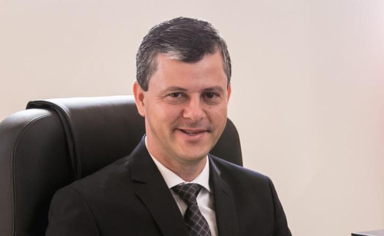 De acordo com a denúncia, o prefeito Aldo Ricardo teria recebido propina da Transcops na sua conta bancária e na conta de sua esposa - Foto: Reprodução | Prefeitura de Caetité