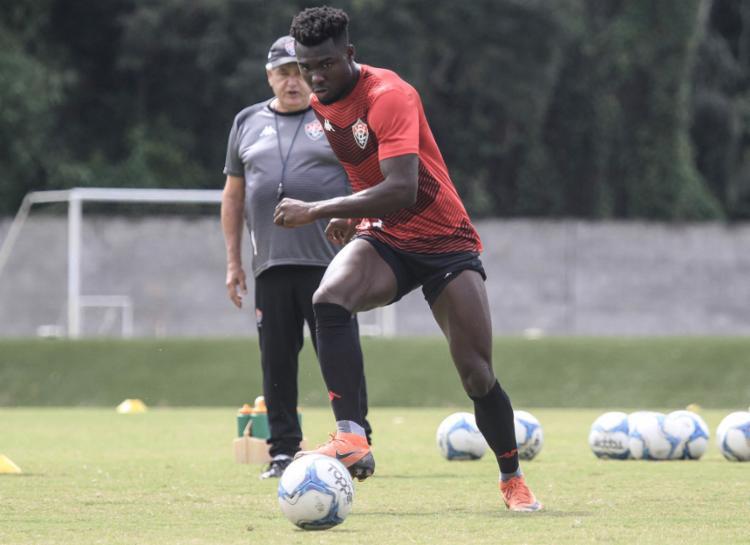 Torcida espera que Caicedo mantenha o bom desempenho e ajude o Leão a vencer nesta sexta-feira, 11 - Foto: Letícia Martins l EC Vitória