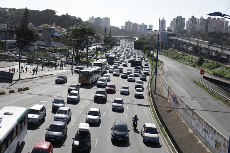 O montante será destinado para obras de soluções de tráfego na região do Iguatemi - Foto: Raul spinassé | Ag. A TARDE