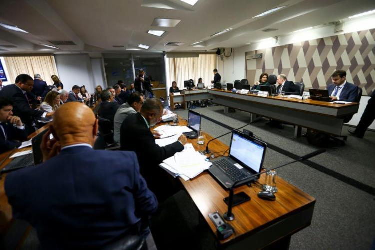 O relatório foi aprovado por 17 votos a 9 - Foto: Divulgação l Senado Federal