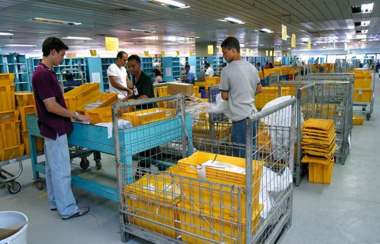 Estatal afirmou ainda que o reajuste não se aplica a clientes que possuem contratos com os Correios - Foto: Carlos Casaes | Ag. A TARDE