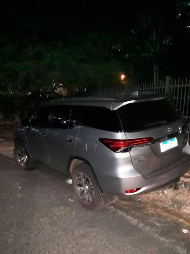 Os suspeitos roubaram o veículo Hilux SW4 prata - Foto: Divulgação | SSP