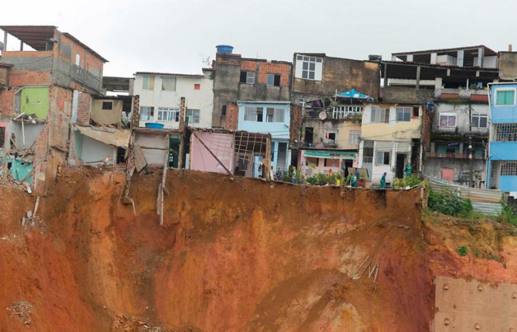 ACM Neto esteve no local para acompanhar a situação de perto - Foto: Luciano da Matta   Ag. A TARDE