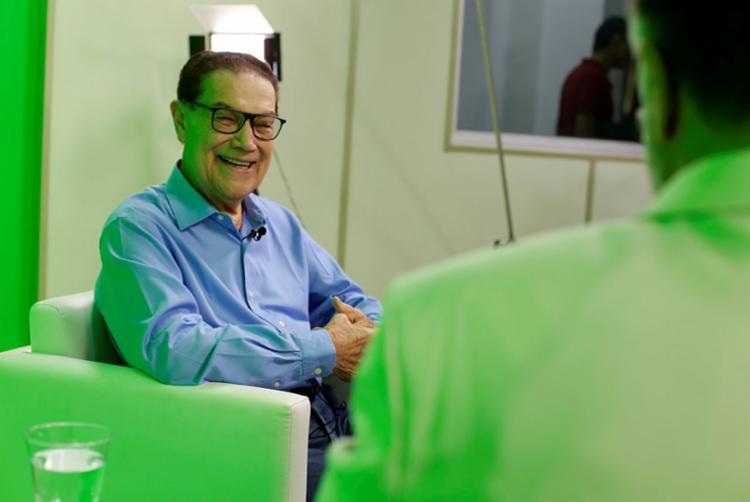 Divaldo Franco conversou com o apresentador Jefferson Beltrão, do programa 'Isso é Bahia' - Foto: Raul Spinassé | Ag. A TARDE