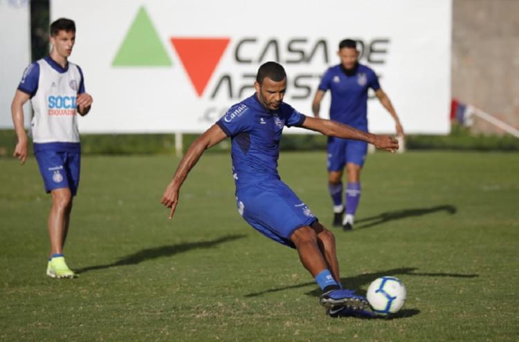 Zagueiro foi a grande novidade da atividade nesta segunda-feira, 7 - Foto: Felipe Oliveira | EC Bahia