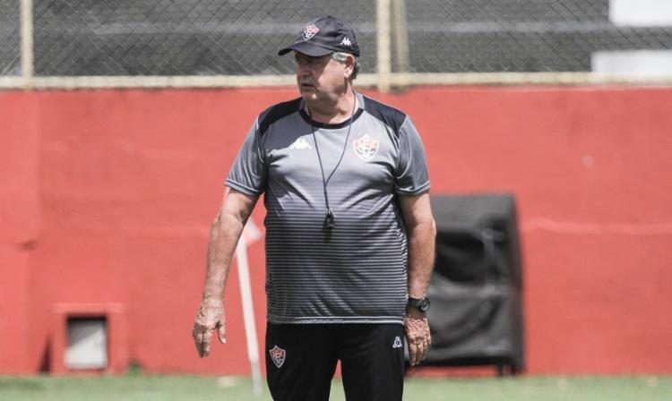 O treinador do Rubro-Negro focou suas atenções para o setor ofensivo da equipe - Foto: Letícia Martins | EC Vitória