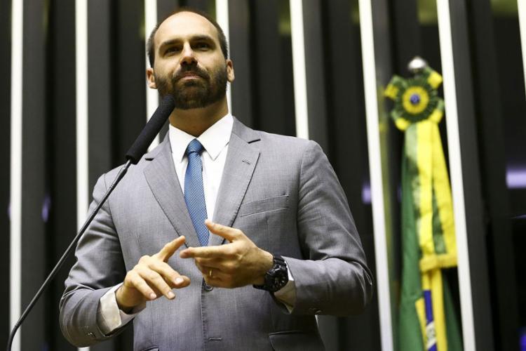 Após nova mudança, a liderança da bancada do PSL na Câmara dos Deputados passa a ser ocupada pelo deputado Eduardo Bolsonaro (SP) - Foto: Marcelo Camargo | Agência Brasil