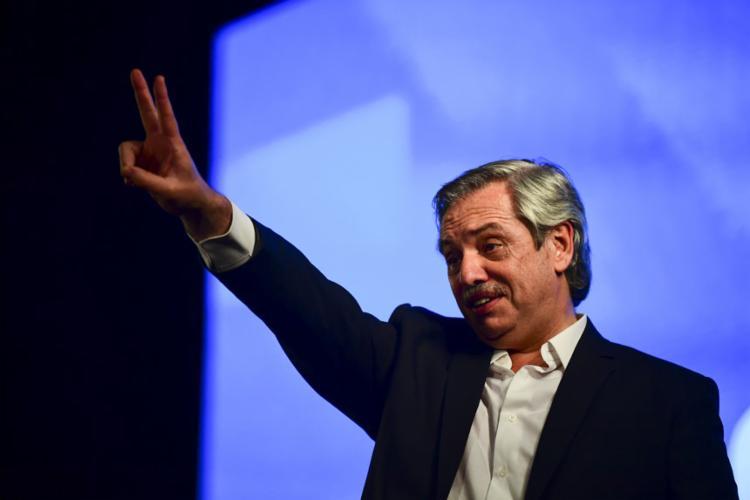 Com 90% dos votos apurados, Fernández obtinha 47,8% dos votos, suficiente para ser eleito em primeiro turno - Foto: Ronaldo Schimidt | AFP