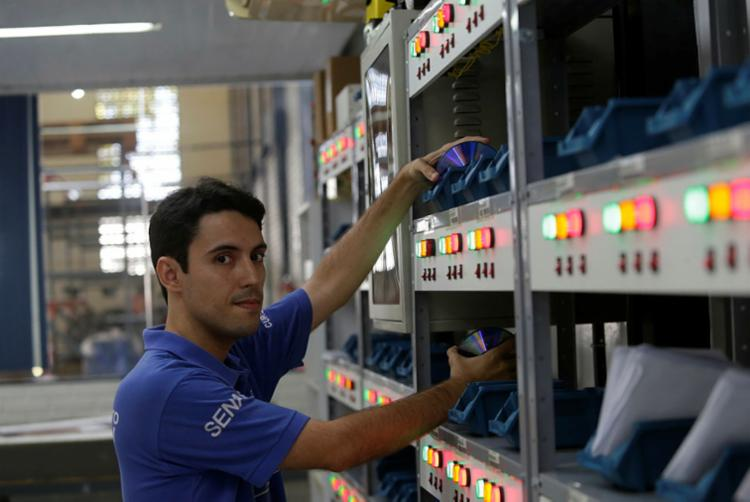 Felipe conta que escolheu o curso de logística por permear várias áreas - Foto: Joá Souza | Ag. A TARDE