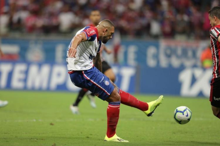 Esquadrão encontrou dificuldades para criar diante de um São Paulo que conseguiu controlar o ritmo de jogo - Foto: Adilton Venegeroles l Ag. A TARDE
