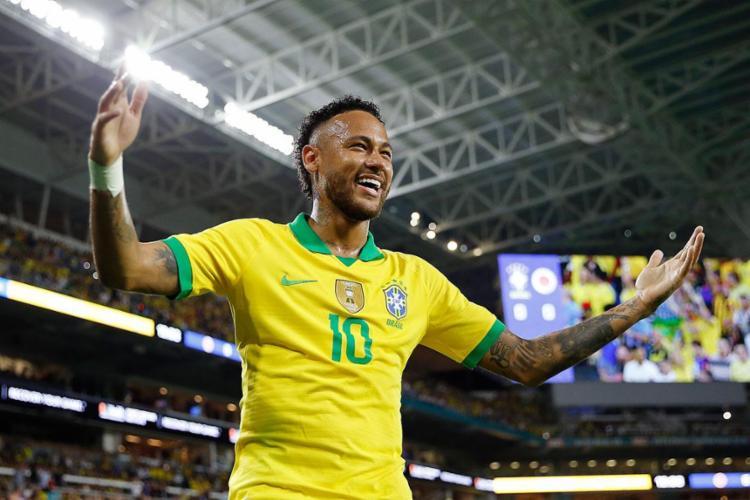 A Seleção Brasileira conseguiu se manter na terceira colocação, mesmo sem ainda ter jogado em 2020 | Foto: Michael Reaves | AFP - Foto: Michael Reaves | AFP