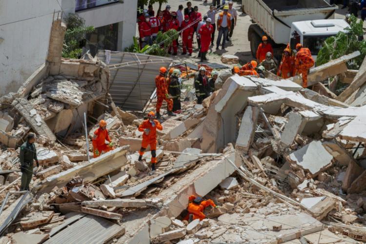 Bombeiros ainda não identificaram a quarta vítima - Foto: Rodrigo Patrocínio | AFP