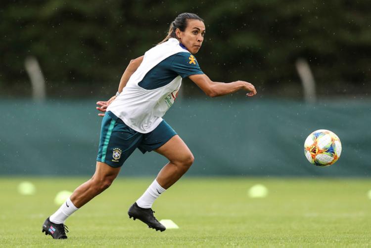 Marta faz o passe e Formiga marca o primeiro gol - Foto: Divulgação   CBF