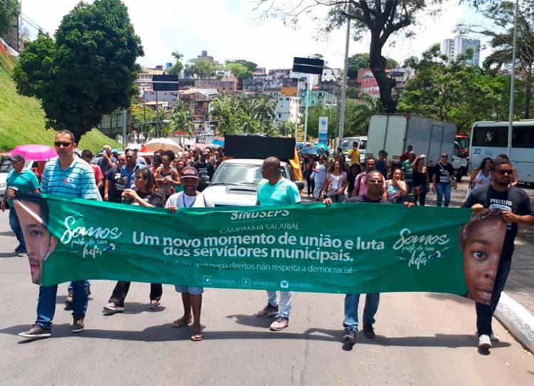 Servidores seguem com protesto em direção à Estação da Lapa - Foto: Divulgação   Sindseps