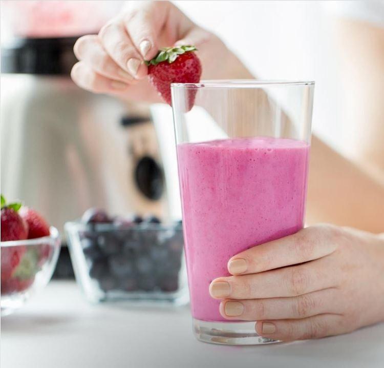Shake está disponível em três sabores: nos sabores Morango Cremoso, Chocolate Sensation e Doce de Leite - Foto: Reprodução | Instagram