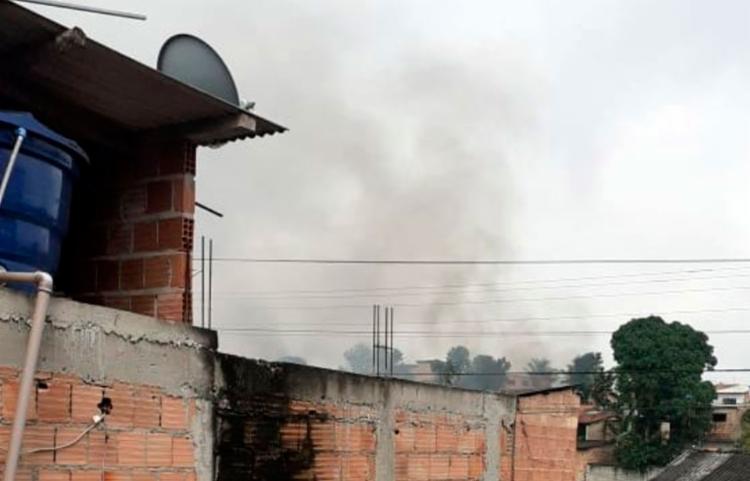 Corpo de Bombeiros Militar da Bahia esteve no local e o fogo foi apagado - Foto: Reprodução   Radar 64