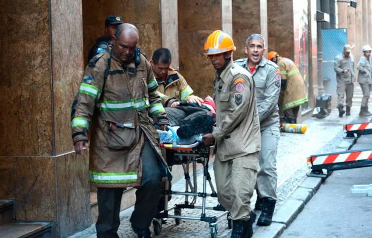Bombeiros irão apurar o que aconteceu - Foto: Jorge Hely   Framephoto