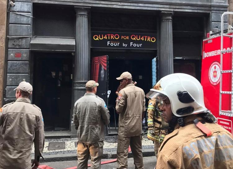 Incêndio destruiu a boate e matou quatro bombeiros - Foto: Reprodução