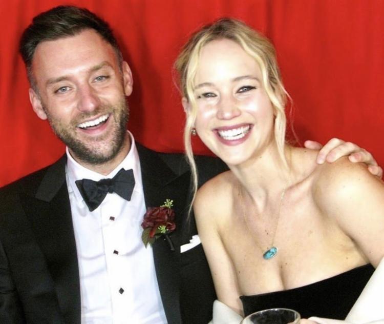 Jennifer e Maroney celebraram a união em uma mansão - Foto: Reprodução | Instagram