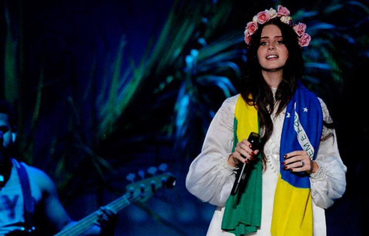 Lana Del Rey será uma das headliners do Lollapalooza 2020 - Foto: Divulgação