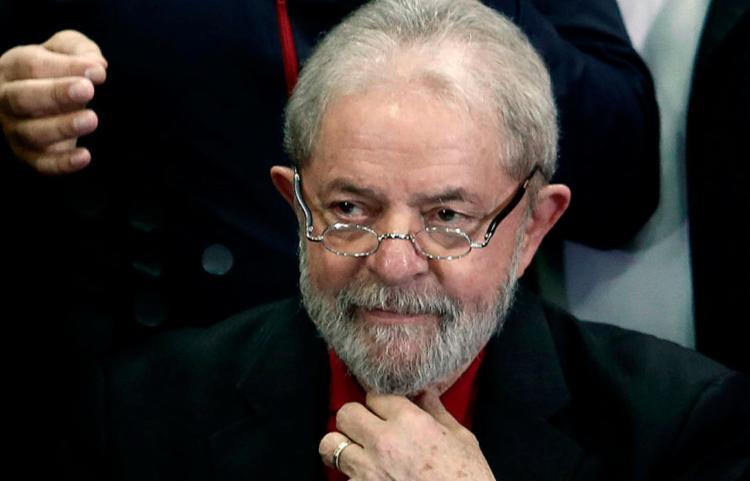 Lula foi condenado por corrupção passiva e lavagem de dinheiro, no processo sobre o caso do triplex - Foto: AFP PHOTO | Miguel SCHINCARIOL
