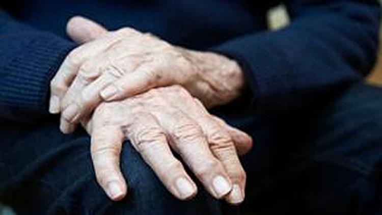 O Mal de Parkinson é a segunda mais comum das doenças neurodegenerativas e pode levar à demência - Foto: Reprodução | Getty Images