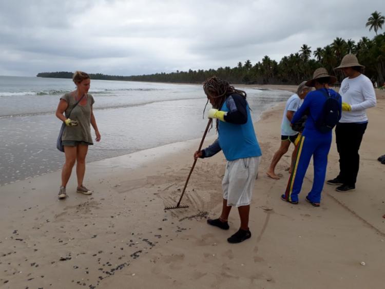 Manchas chegaram durante a madrugada às praias de Morro de São Paulo - Foto: Divulgação