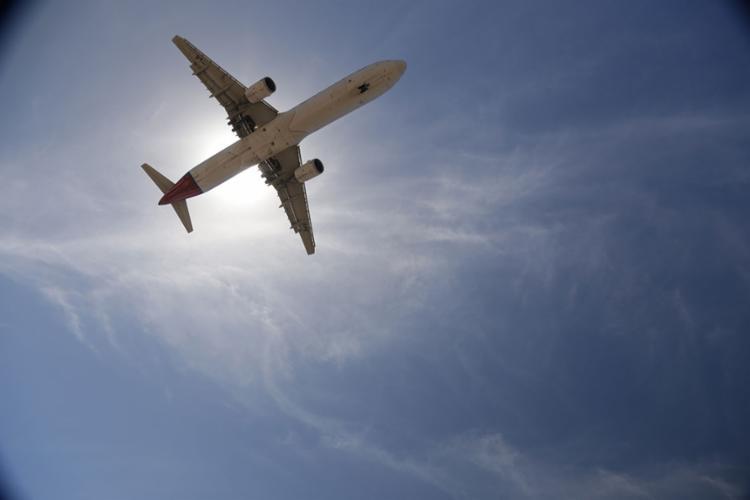 A meta do Governo é aumentar para 200 o número de localidades atendidas pelo transporte aéreo - Foto: Uendel Galter   Ag. A TARDE