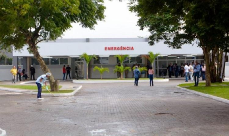 As três vítimas foram encaminhadas para o Hospital Geral Clériston Andrade, em Feira de Santana - Foto: Ed Santos