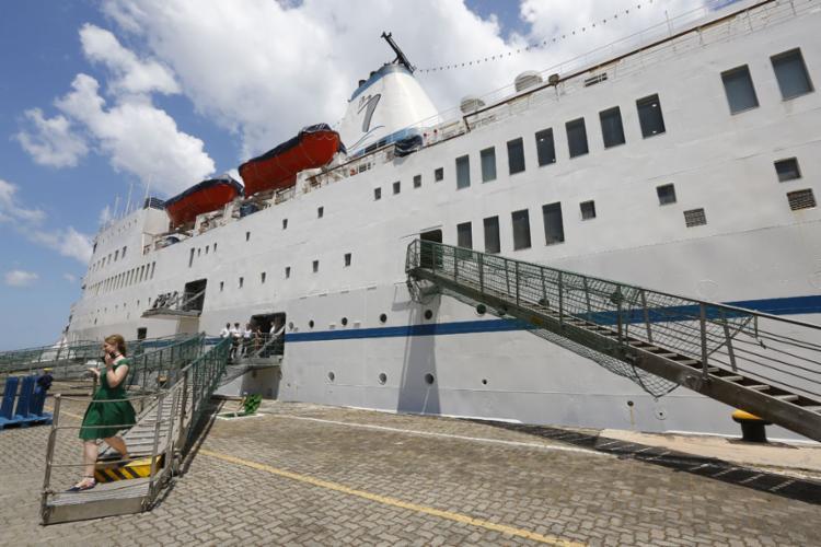 O navio Logos Hope, considerado a maior livraria flutuante do mundo, está atracado em Salvador desde a quinta-feira, 24 - Foto: Rafael Martins   Ag: A TARDE   25.10.2019