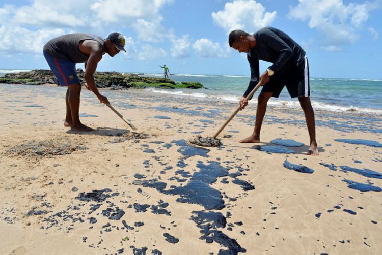 No total, são 13.375 pescadores e marisqueiras atingidos em oito municípios - Foto: Shirley Stolze | Ag. A TARDE