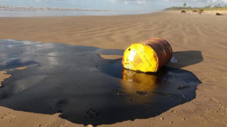 O governo tem tido dificuldade de identificar a origem do óleo - Foto: Marcos Rodrigues | GOVSE