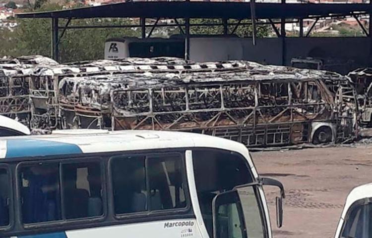 Cerca de 12% da frota da empresa foi consumida pelo fogo - Foto: Reprodução | Calila Notícias