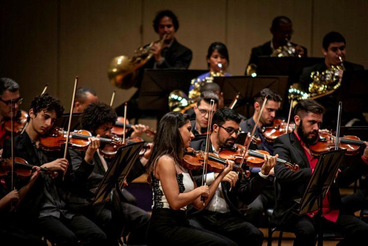 Além de ouvirem música, as crianças terão a oportunidade de conhecer e tocar alguns instrumentos - Foto: Fernando Gomes   Divulgação