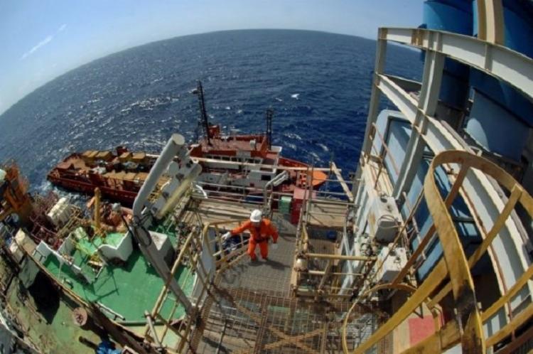 Além do petróleo, a Petrobras espera encontrar grande volume de gás no pré-sal - Foto: Divulgação   Agência Petrobrás