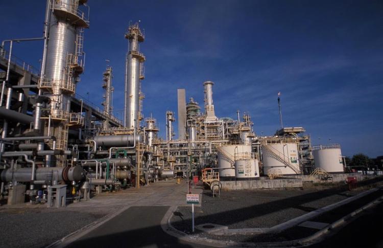 Primeira refinaria do Brasil, a Landulpho Alves pode ser vendida. Foto: Juarez Cavalcanti / Agência Petrobras - Foto: Refinaria Landulpho Alves (RLAM)